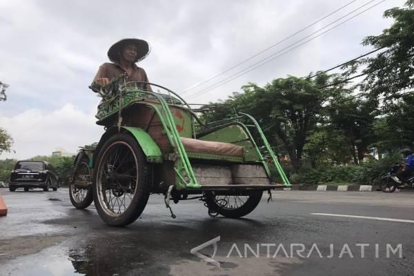 Tukang becak yang naik haji