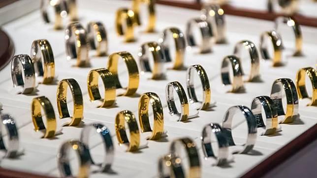 New normal di retail perhiasan