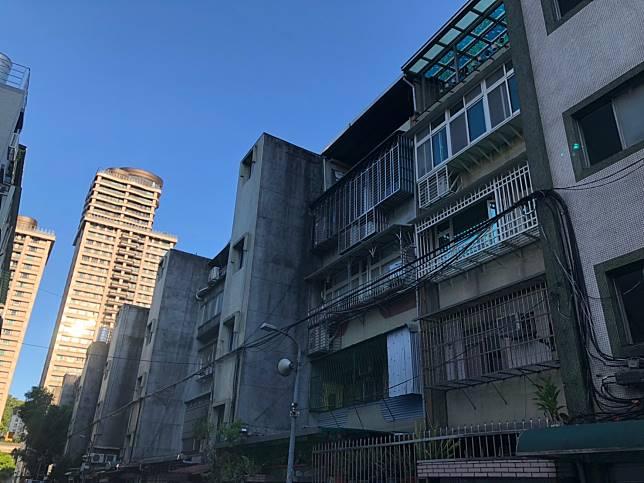 ▲台北市文山區與松山區的公寓與電梯大樓價差不到10萬元。(圖/信義房屋提供)
