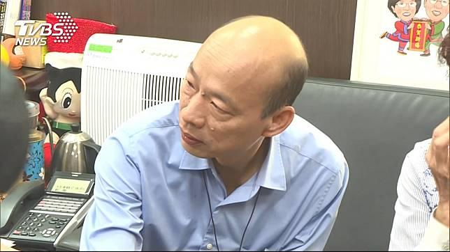 韓國瑜現身立法院,為登革熱補助款請命。圖/TVBS