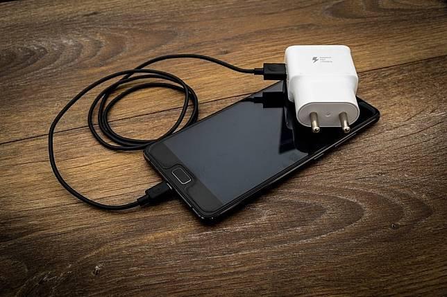 Ini dia tips agar baterai smartphone tidak cepat habis