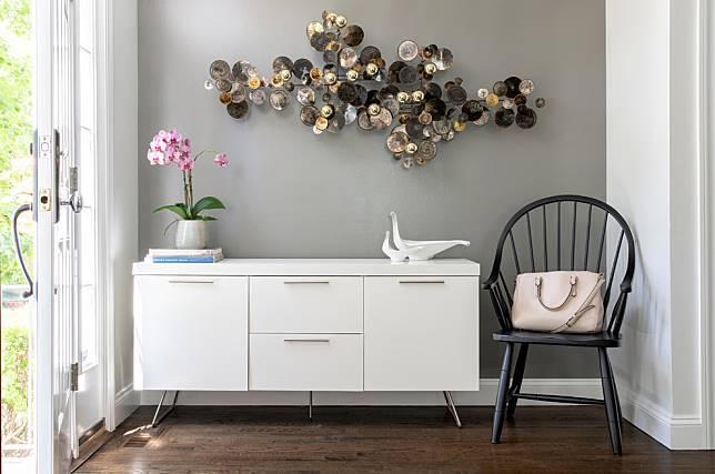 Desain Meja Foyer Keren untuk Menyambut Tamu Rumah Anda