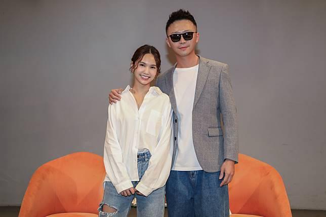 楊丞琳(左起)與新人營總導師金勤精采對談