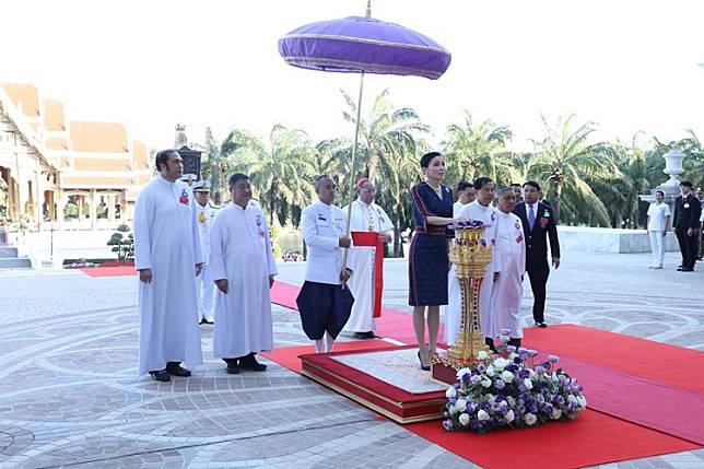 พระราชินี ทรงเป็นประธานงานเฉลิมฉลอง 50 ปี แห่งการก่อตั้งมหาวิทยาลัยอัสสัมชัญ