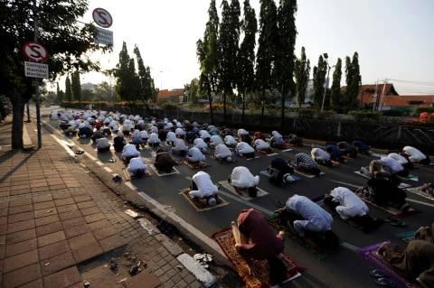 Warga Jakarta Terancam Tak Bisa Salat Idul Fitri di Masjid atau di Lapangan