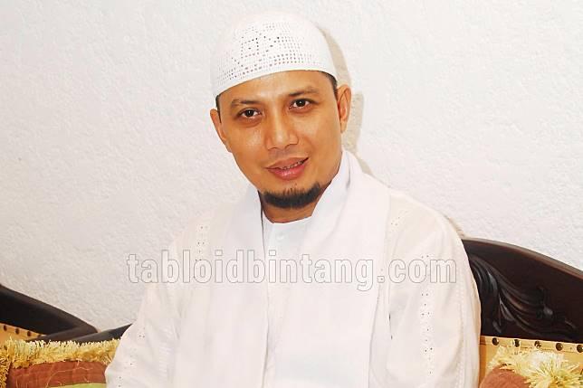 Kisah Ustadz Arifin Ilham, Menangis Lihat Menteri Minum-minum Ditemani Wanita