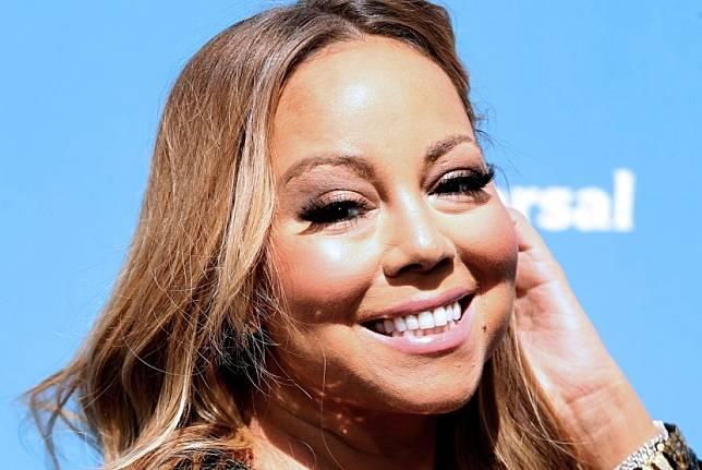 Penyanyi Mariah Carey menyusun rencana perayaan 30 tahun album debutnya di industri musik.