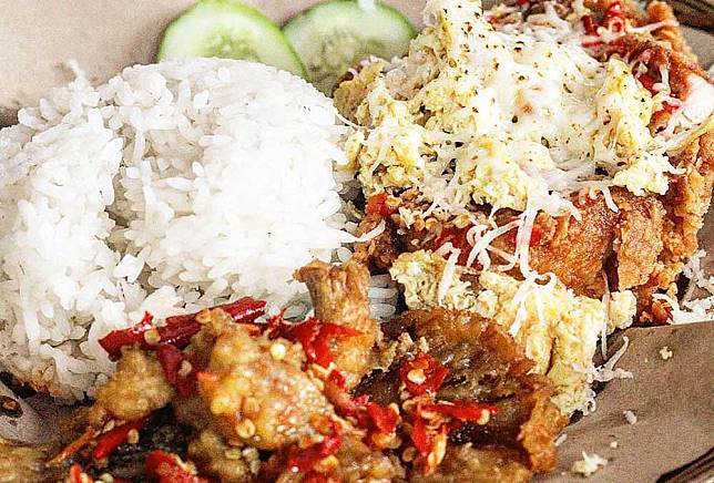 5 Restoran Ayam Goreng Enak Milik Selebriti Beken Tanah Air
