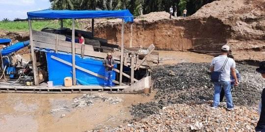 tambang ilegal di dharmasraya. ©2020 Merdeka.com/antara