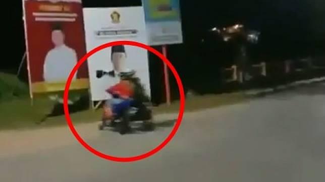 Viral balap liar hingga menabrak baliho caleg. (Instagram)