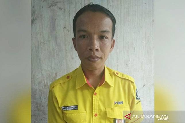 Sempat mengira sampah, petugas kebersihan KRL temukan Rp500 juta