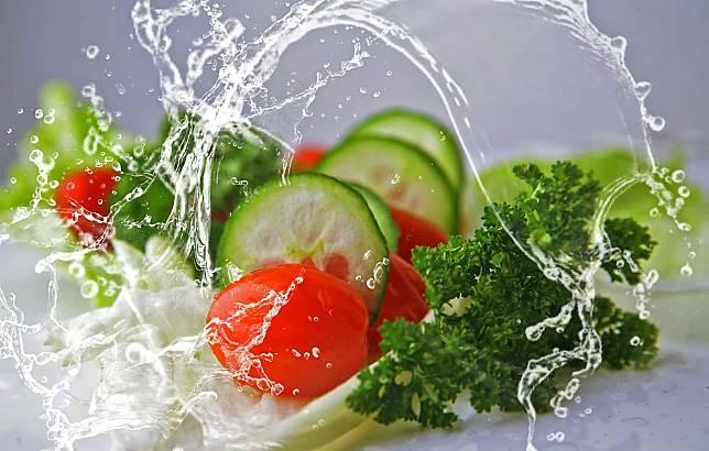 6 Cara Sehat Memenuhi Kebutuhan Cairan Tubuh Selain Minum Air Putih