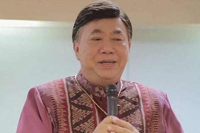 ดร.เสรี ฉุน! คนอ่านภาษาไม่แตกฉาน อย่าโชว์โง่ ปม นายกฯ บอกคนไทยสวดมนต์ไล่พายุ