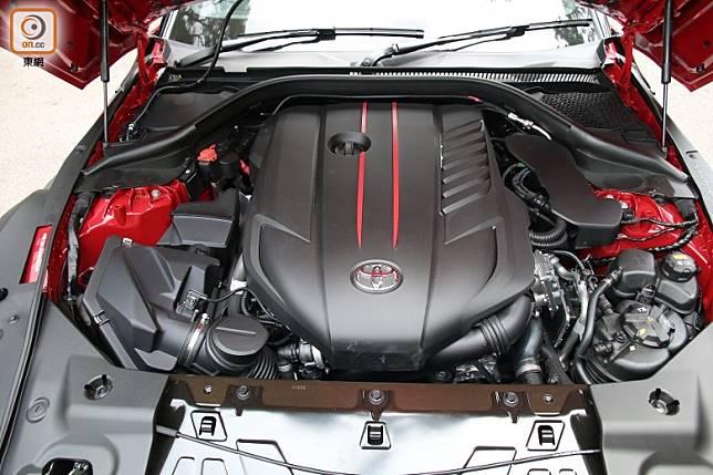 以直六渦輪增壓水平對向引擎作動力核心,擁有340ps最大馬力,達500Nm峰值扭力更能於轉速低至1,600rpm時透過後輪全釋放。 (張錦昌攝)