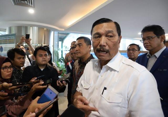 Luhut Sebut Virus Korona Buat Indonesia Rugi Rp 7 Triliun per Bulan