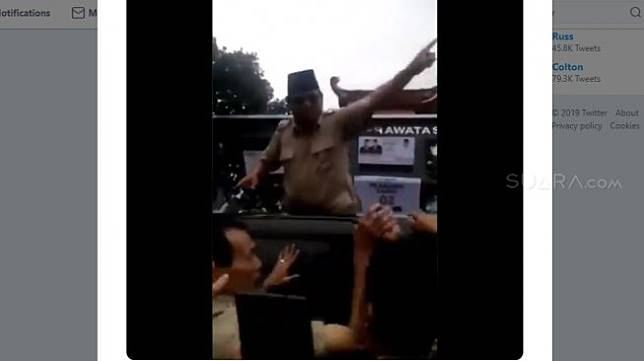 Viral Prabowo Gampar dan Usir Lelaki Berbatik dari Atas Mobil saat Kampanye