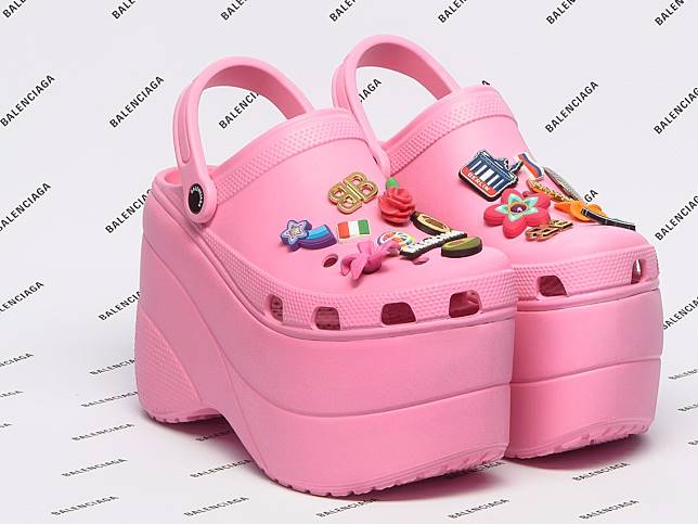Sepatu Sandal Crocs Sekarang Ada High Heelsnya c51f2a5d32