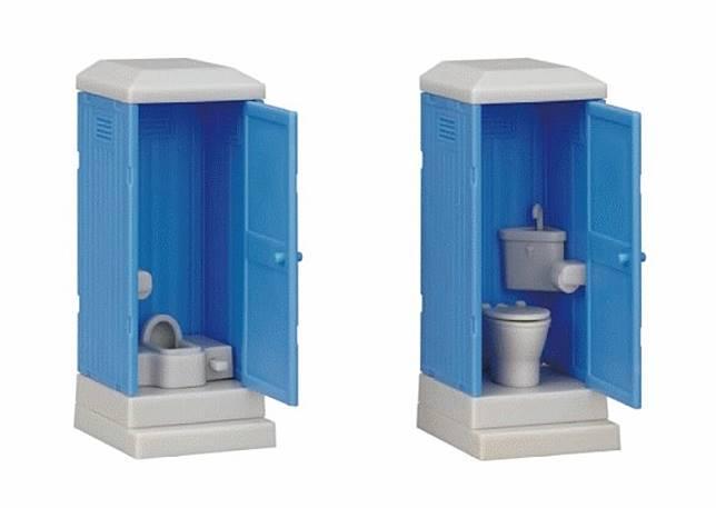 流動廁所扭蛋一共有2款,坐廁連洗手盆和蹲廁連廁紙架。(互聯網)