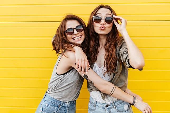 Yuk Kita kenali 5 Jenis senyuman beserta Makna nya