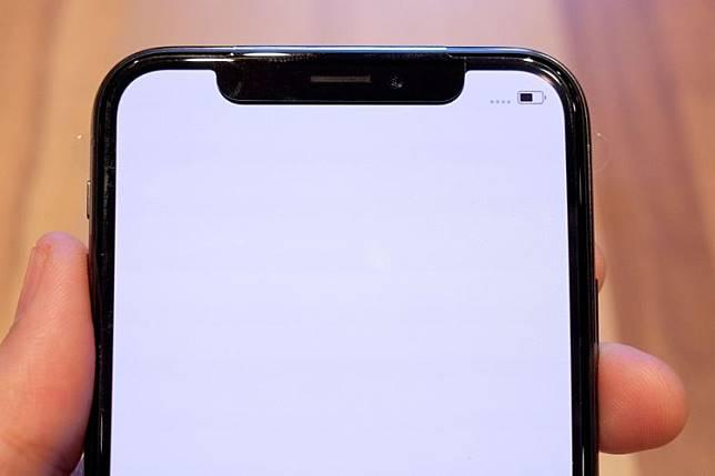 Bagian depan iPhone X tampil nyaris tanpa bezel(Yoga Hastyadi Widiartanto/KOMPAS.com)