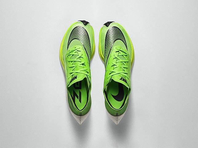 鞋面面料採用全新Vaporweave材料,相比Flyknit材質更為輕質透氣,在比賽過程中能有效抵禦汗水和雨水的過度吸收。(互聯網)