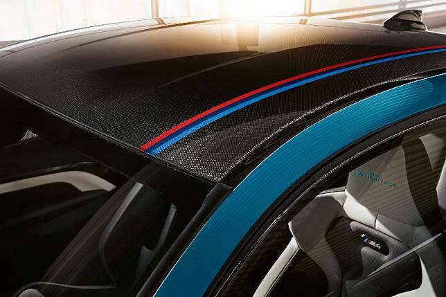車頂採用碳纖複合材料(CFRP)打造,上有BMW M 線條裝飾。(互聯網)