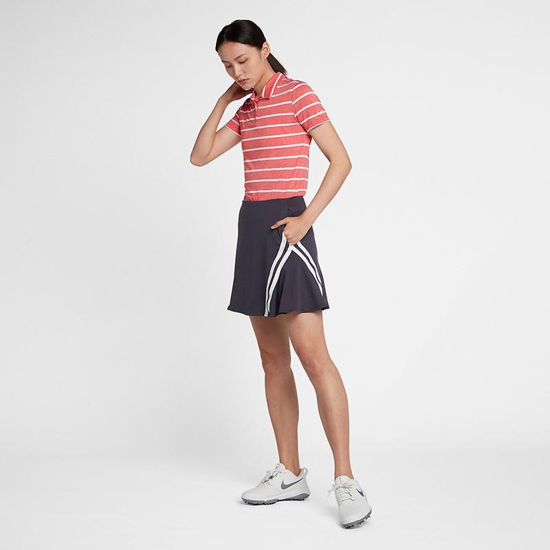 打造柔美格調和亮麗外觀。內置短褲可加長或縮短穿著,在球場上為你打造可調整式的包覆效果。 商品退換貨須知: 符合15天鑑賞期之權益(注意!鑑賞期非試用期),商品須保持完整、未使用狀態且可還原狀態(含外包