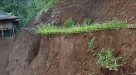 Video Detik-detik Tanah Longsor di Tana Toraja