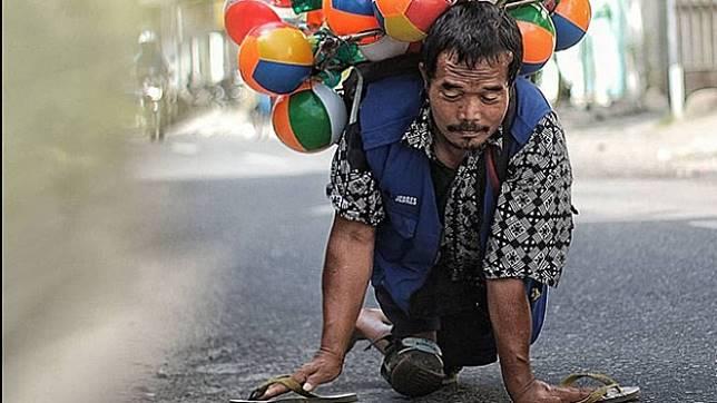 Penjual balon keliling