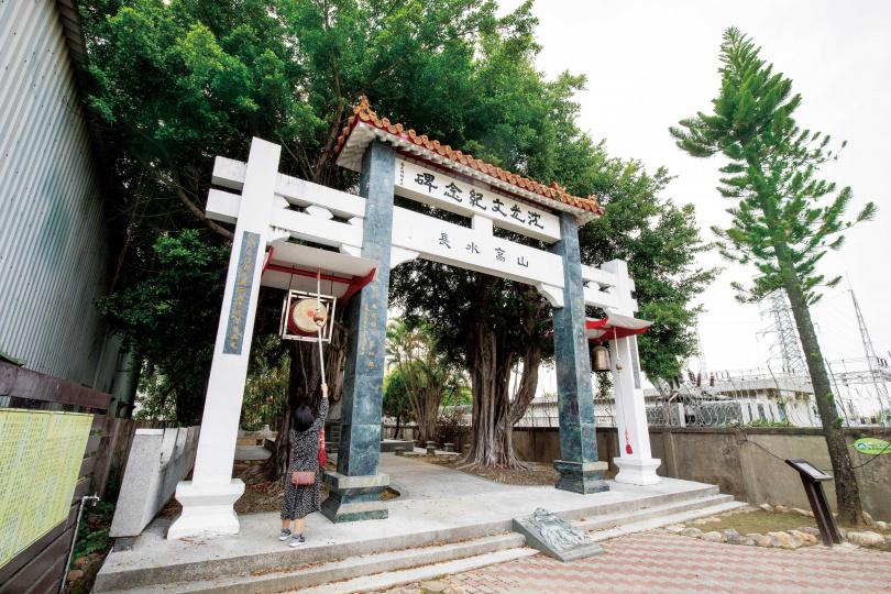 善化居民尊沈光文為「台灣孔子」,並為他立碑紀念。(圖/宋岱融攝)