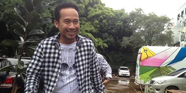 Sambangi Kantor Rans Entertainment, Denny Cagur Geleng-geleng Kepala