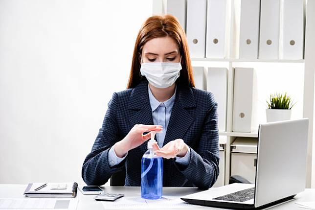 Peralatan yang Wajib Dibawa saat Kembali Bekerja di Kantor