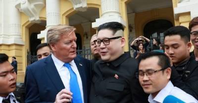 """""""Bản sao"""" của Tổng thống Donald Trump và Kim Jong Un bất ngờ xuất hiện ở Hà Nội, thu hút hàng trăm người tò mò"""