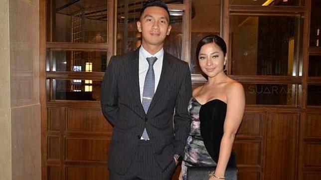 Nikita Willy didampingi kekasihnya, Indra Priawan, hadiri resepsi pernikahan Kezia Karamoy dan Axel Narang di Hotel Pullman, Jakarta Pusat, Sabtu (22/4/2017). [suara.com/Wahyu]