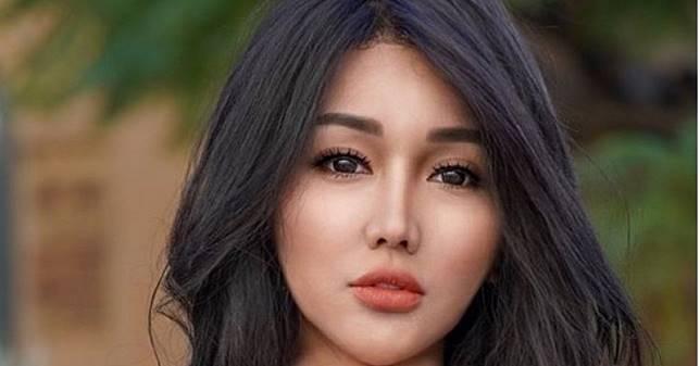 Lucinta Luna Berkelahi Usai Wig Dijambak Haters