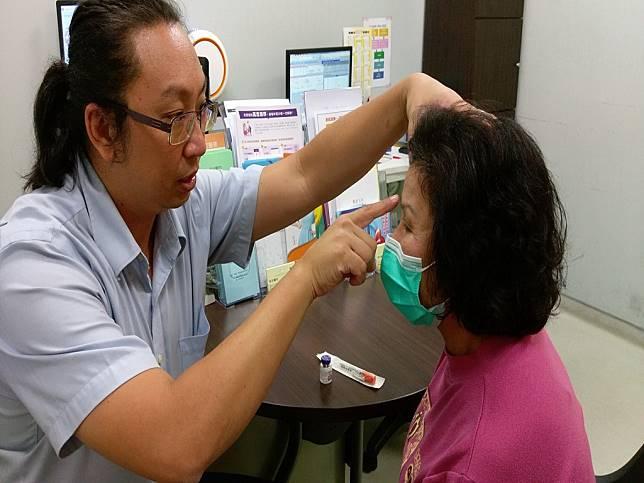 阿嬤偏頭痛40多年 肉毒桿菌素注射大改善