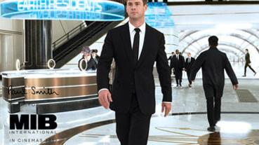 《MIB星際戰警:跨國行動》隱藏彩蛋!時尚設計師Paul Smith除了設計西裝,竟還驚喜客串演出!