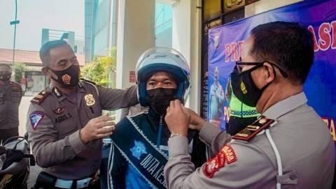 Pemotor Viral yang Lepas Tangan di Bintaro Ditunjuk Jadi Duta Lalu Lintas