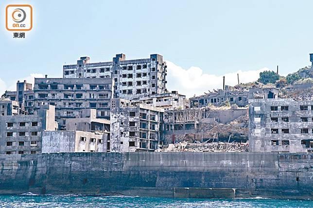 軍艦島上的樓宇破舊的情況嚴重,偶爾出現纖維濃度超過標準值其實不難理解。。(資料圖片)
