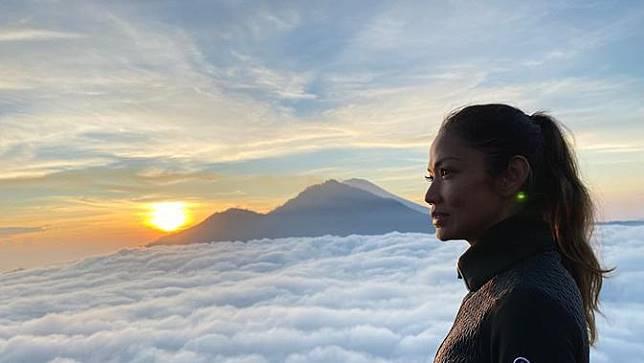 Hindari Virus Corona, Shanty Paredes Ajak 2 Anaknya Liburan ke Indonesia
