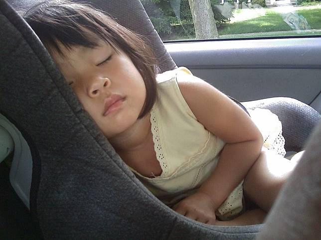 Kurang Baik untuk Tubuh, Apa Saja Dampak Tidur Tengkurap, ya?