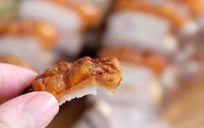 Người Sài Gòn có thú thưởng thức heo quay lạ lắm: chỉ thích ăn mỗi da heo và đây là những nơi bán