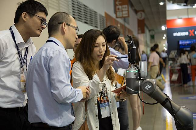 ▲Intelligent Asia (原:亞洲工業4.0系列展) 21日將登場,參展廠商總家數預計超過1,100家,使用多達4,500個攤位,並將舉行超過100場主題同期活動。(圖/Intelligent Asia提供)