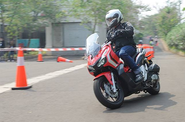 Test Ride Honda ADV 150