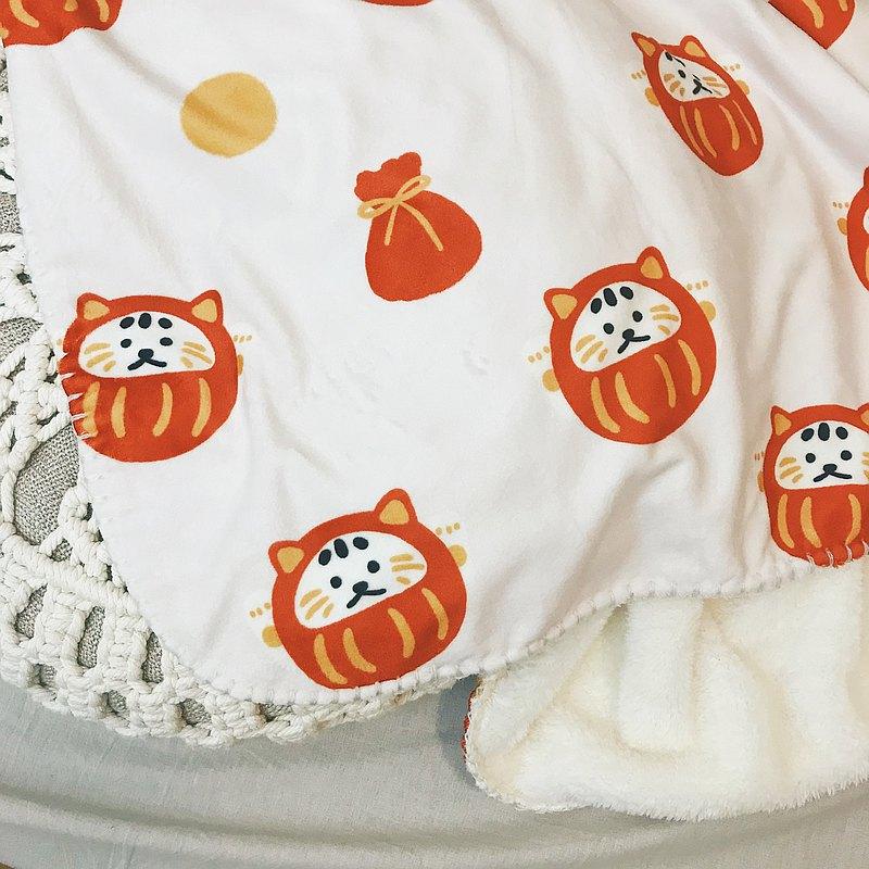 毛絨質地,不會容易掉色 毛毯質感超好,冬天窩在被中最舒服♥