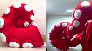 觸手控看到直接高潮!日本推出可以把手塞進去的獵奇「章魚腳抱枕」,網友:怎麼覺得哪裡怪怪的