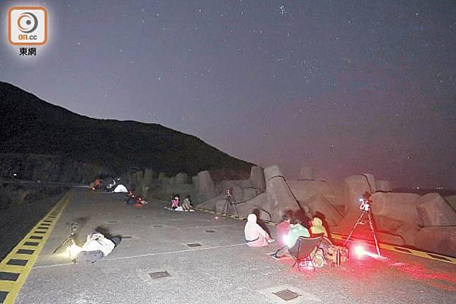 以往不少市民到西貢觀星,希望目睹星光劃破夜空。