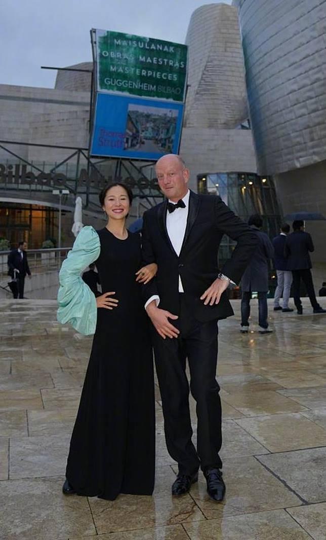 江一燕與德國設計師Thore Garbers一同現身頒獎禮。