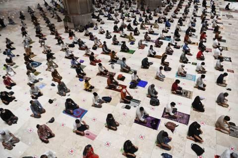 Warga Jakarta Terancam Tak Bisa Salat Idul Fitri di Masjid atau di Lapangan (1)