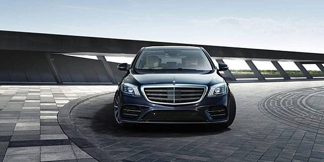 Mobil mewah Mercedes-Benz S-Class (Mercedes-Benz)